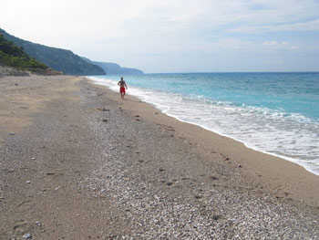 Lefkada - Gialou beach is deserted in September.